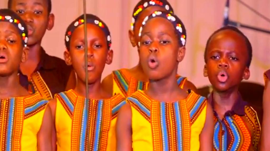 африканские дети поют