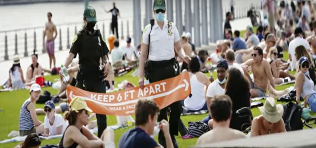 полиция запрещает большие собрания в сша